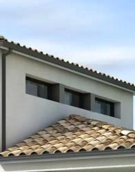 Maison moderne avec fenêtres panoramiques