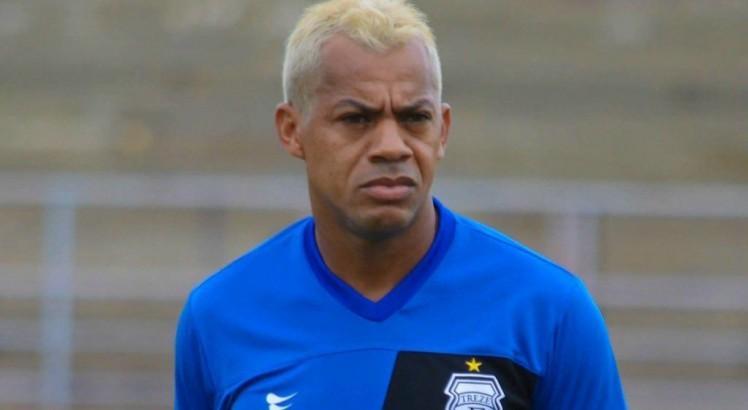 Ex-São Paulo e Seleção, Marcelinho Paraíba é internado com isquemia cerebral