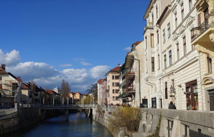 Lubiana, si estende lungo il corso del fiume Ljubljanica