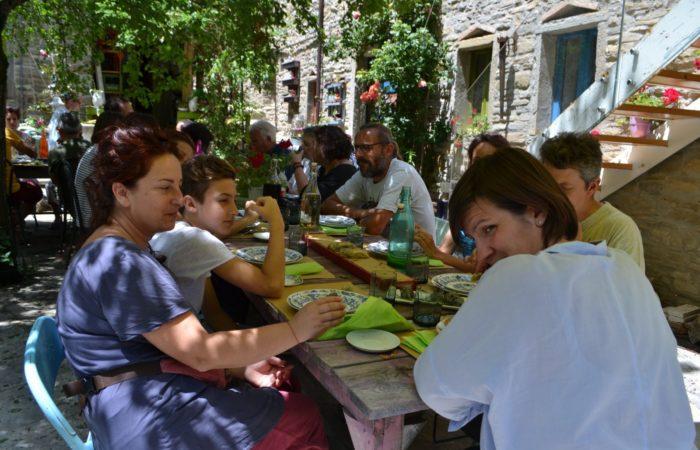 ValdericArte - Lamoli di Borgo Pace_pranzo a base di erbe