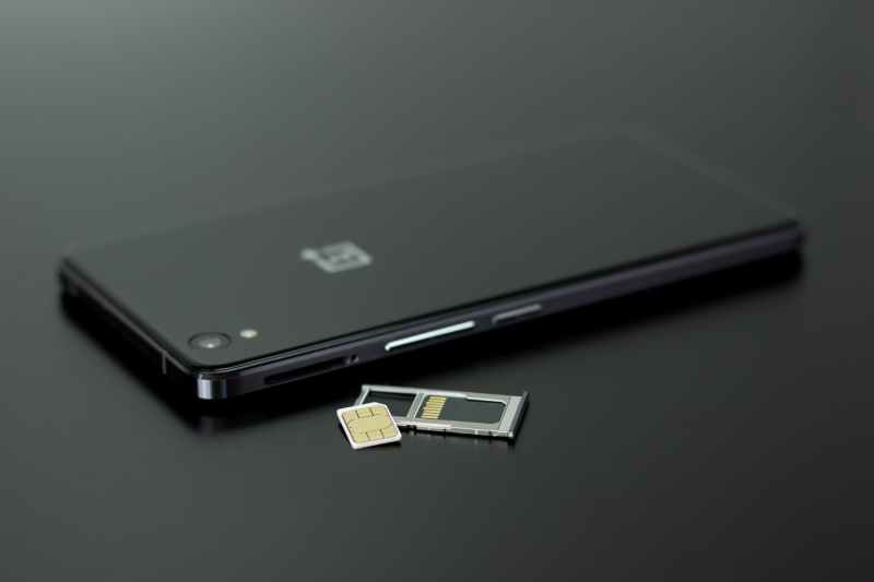 oneplus smartphone black and white sim