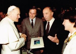 Maiïte Roche et Jean Paul II