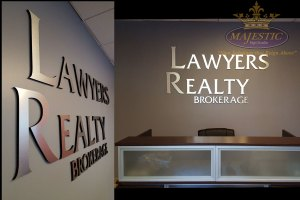 visual-marketing-interior-sign-law-firm