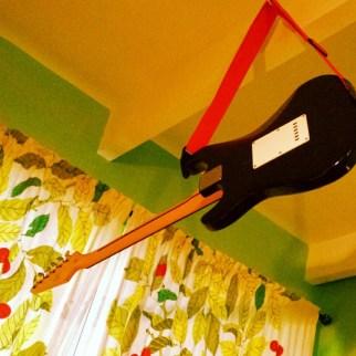 Hanging #guitar