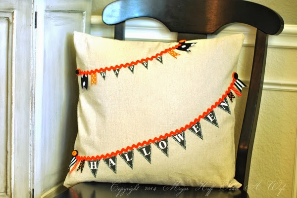 No sew happy halloween pillow
