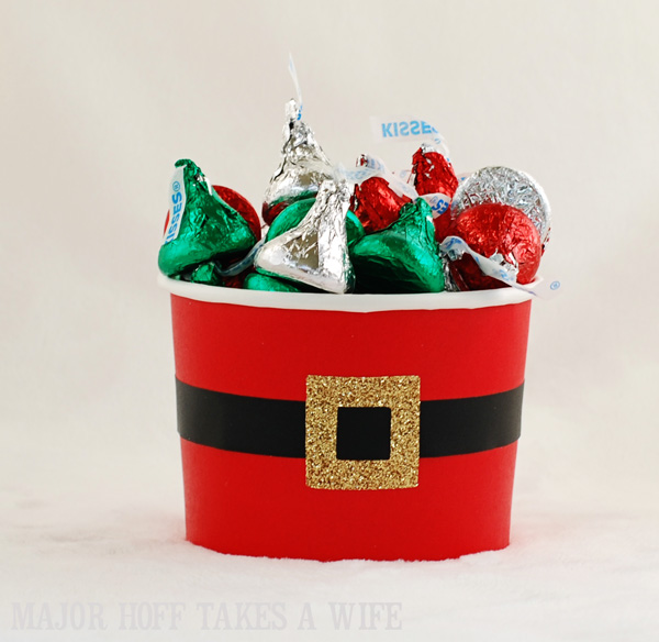 Wilton Cup decorate as Santa for gift giving