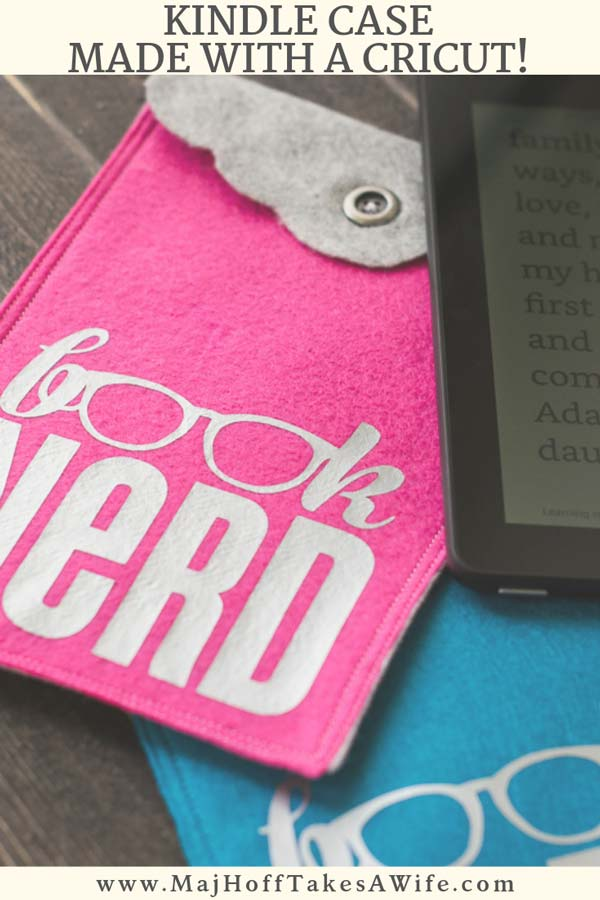 """Learn how easy it is to make a DIY KINDLE CASE from inexpensive Felt. Complete the fun look with the """"Book Nerd"""" Iron On Transfer! Perfect handmade Christmas gift! via @mrsmajorhoff"""