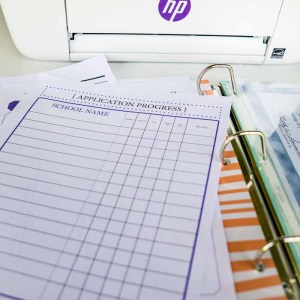 Create your own college bound notebook to keep your student squared away! Free worksheets for awards, a college application submission checklist, etc!