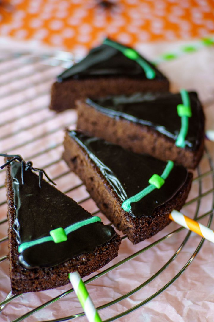 Witch hat brownie pops will be the hit of your Halloween party!