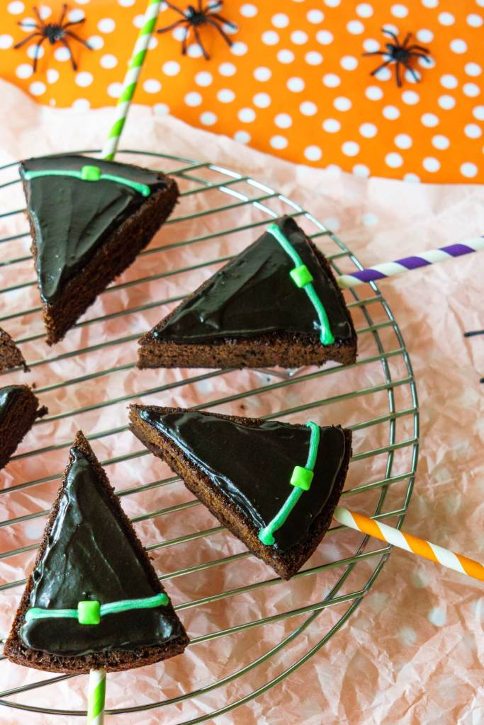 Set out these brownie pops for a fun kids Halloween party