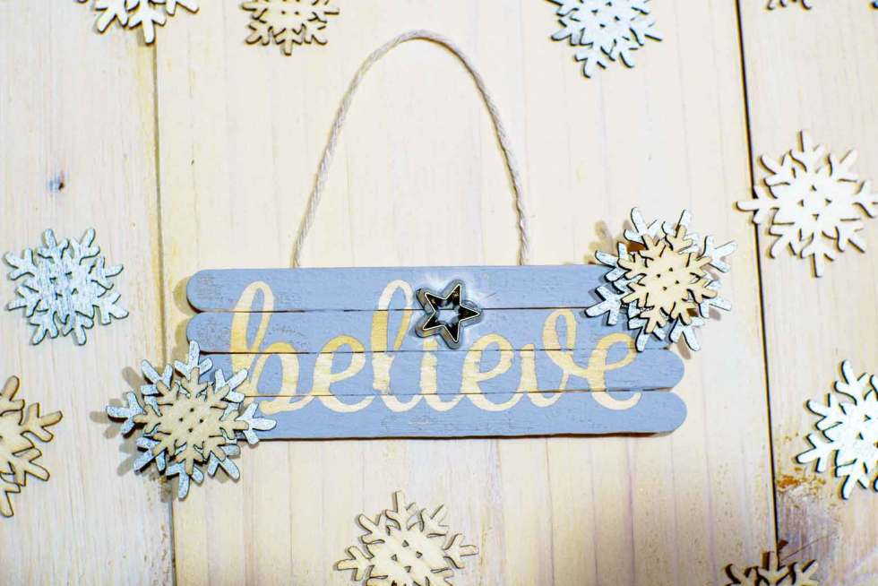 Mini Pallet Believe Ornament with Snowflakes