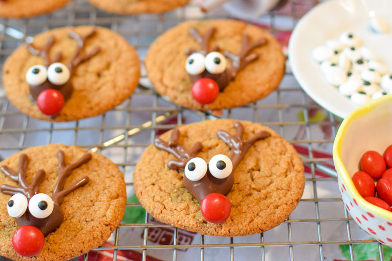 Christmas reindeer are adorable in gingerbread cookie form on a cookie rack