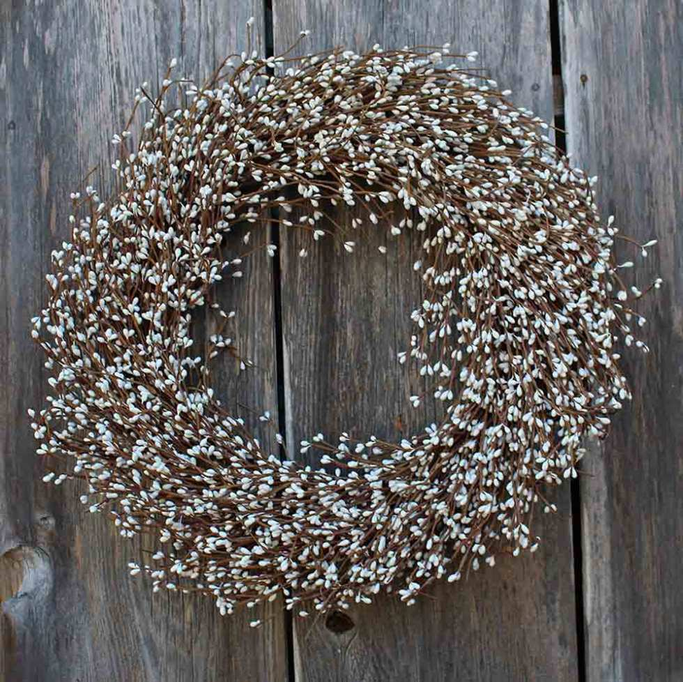 Shelburne White Pip Berry Wreath