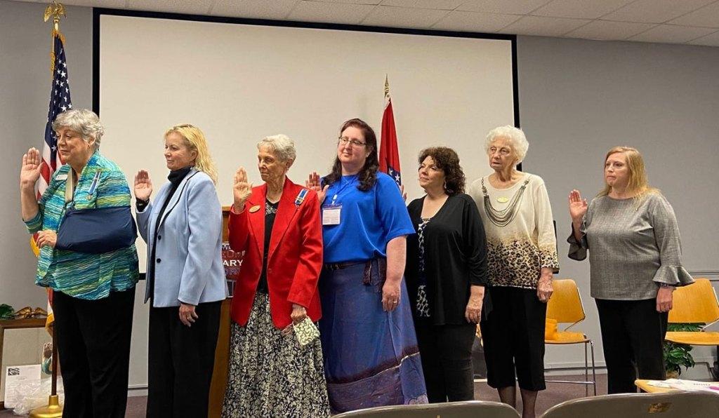 Chapter members taking oath in 2021