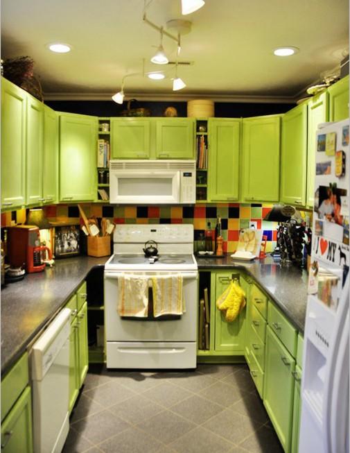 Osvezite-kuhinju-jarkom-bojom-505x653