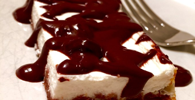 Healthy Chocolate-Drizzled Cheesecake