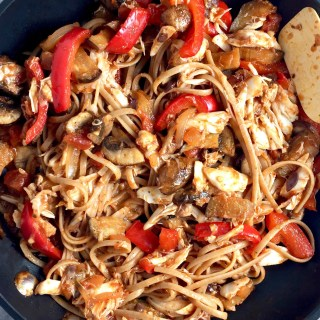 Pomodoro Linguine with Crab, Mushrooms, and Peppers