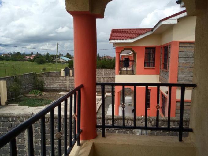 Milimani Area, Kitengela: Charming Keniakeys Maisonettes 4 bedroom + SQ master ensuite