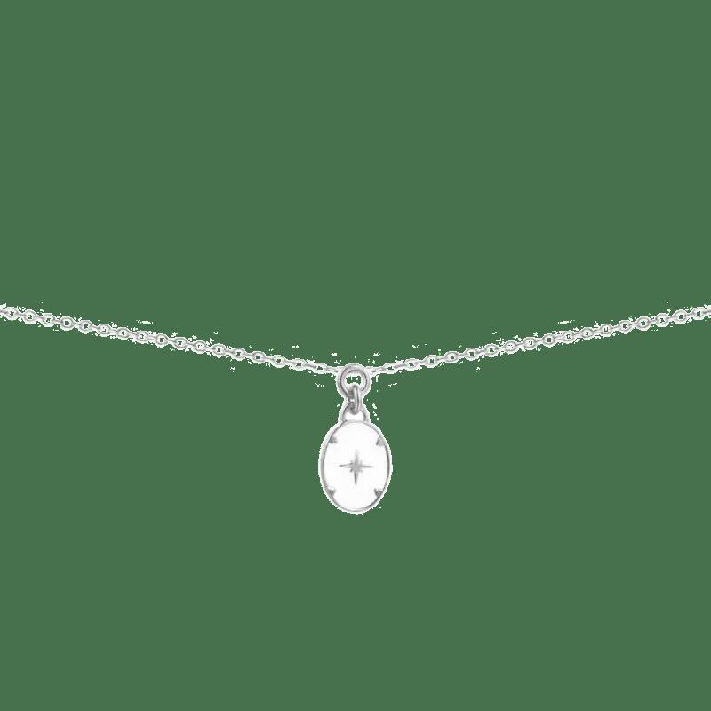 Collar con colgante de plata ovalado esmaltado en color blanco