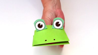 Paper Frog Puppet