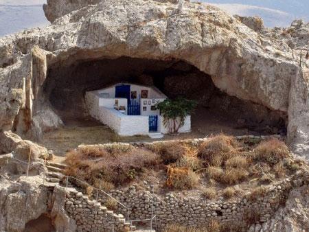 Αποτέλεσμα εικόνας για Εκκλησία χωρις σκεπή Λήμνος