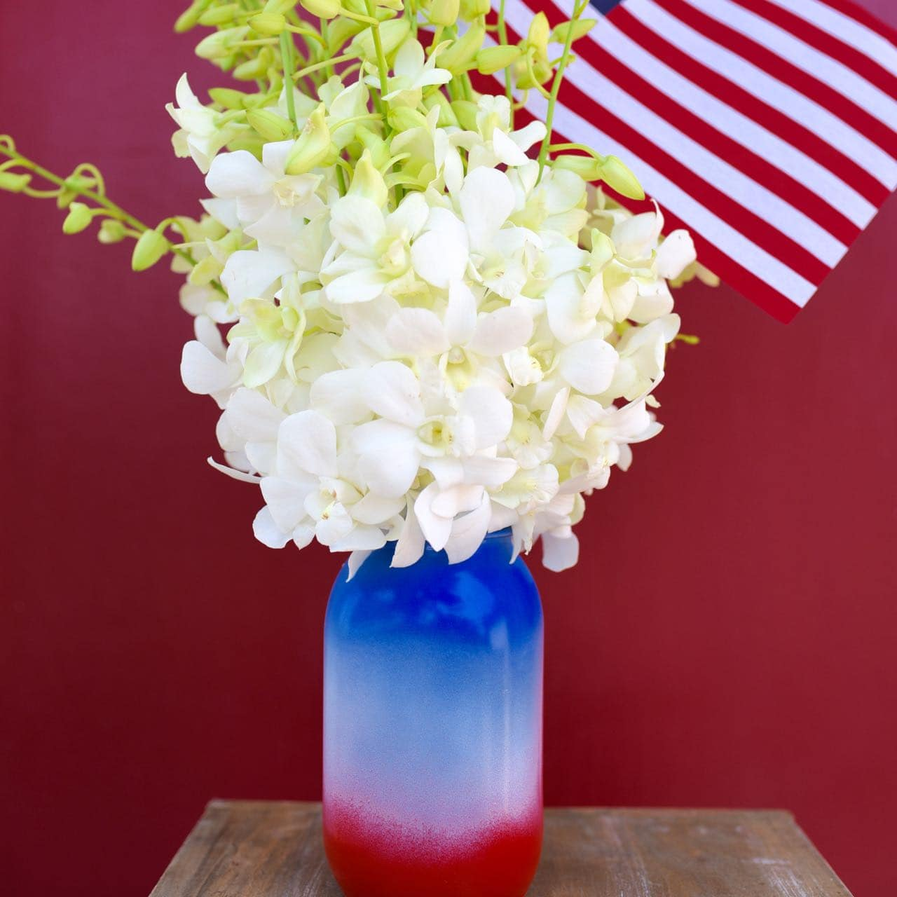 DIY mason jar vase Fourth of July craft