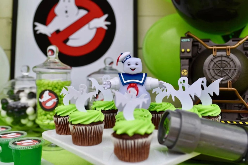Ghostbusters cupcakes at a Ghostbusters party