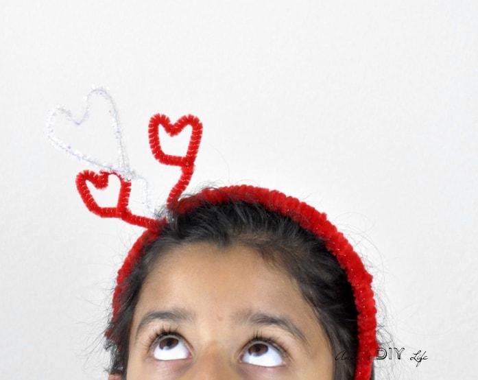 diy-valentines-hairband-with-hearts-anikas-diy-life-main