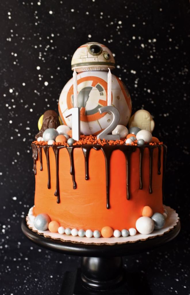 Star Wars The Force Awakens birthday party cake