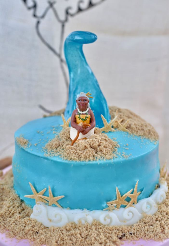 Moana party cake idea that's easy with Moana's grandmother
