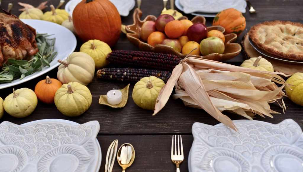 Thanksgiving table ideas for Thanksgiving dinner