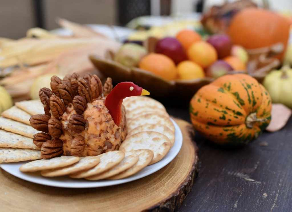 Turkey cheese ball recipe for Thanksgiving
