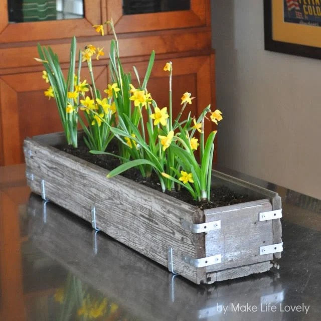 DIY Rustic Wood Planter Box