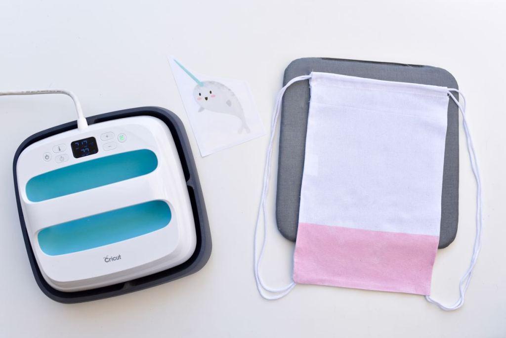 DIY beach bag with Cricut EasyPress and EasyPress Mat