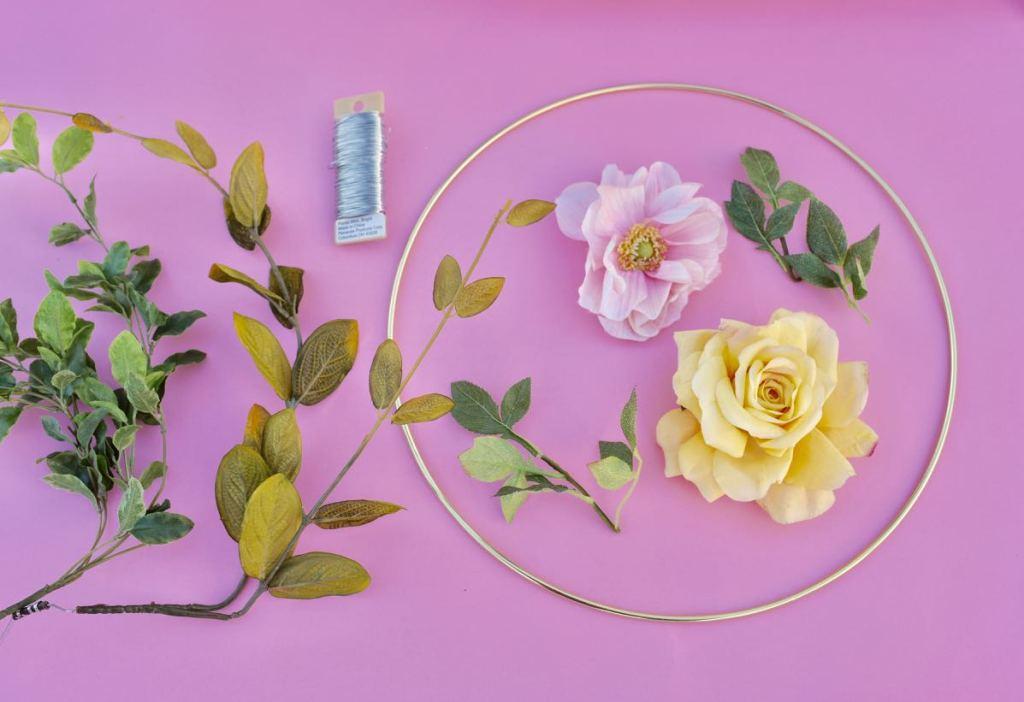 Floral hoop wreath tutorial and supplies