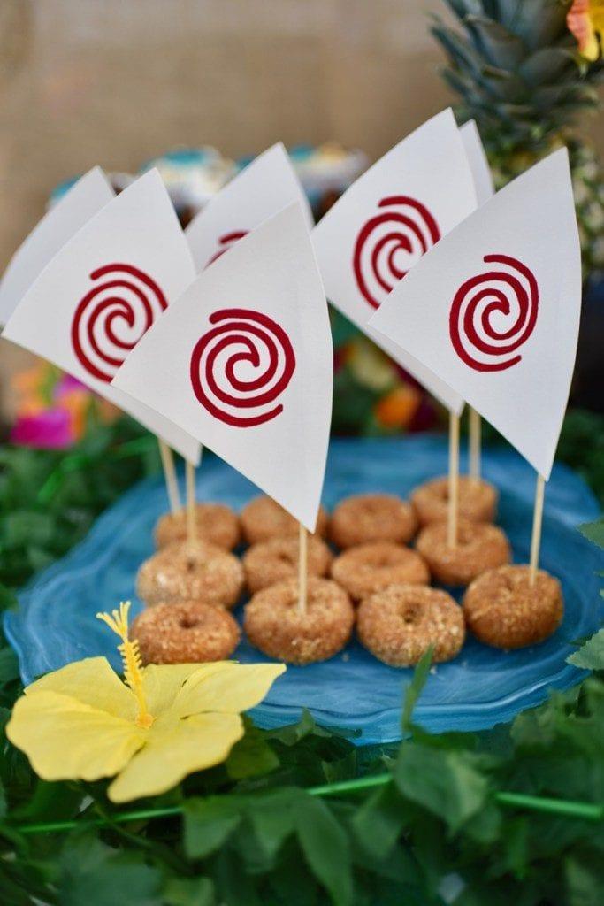 DIY-Moana-boat-Moana-party-food