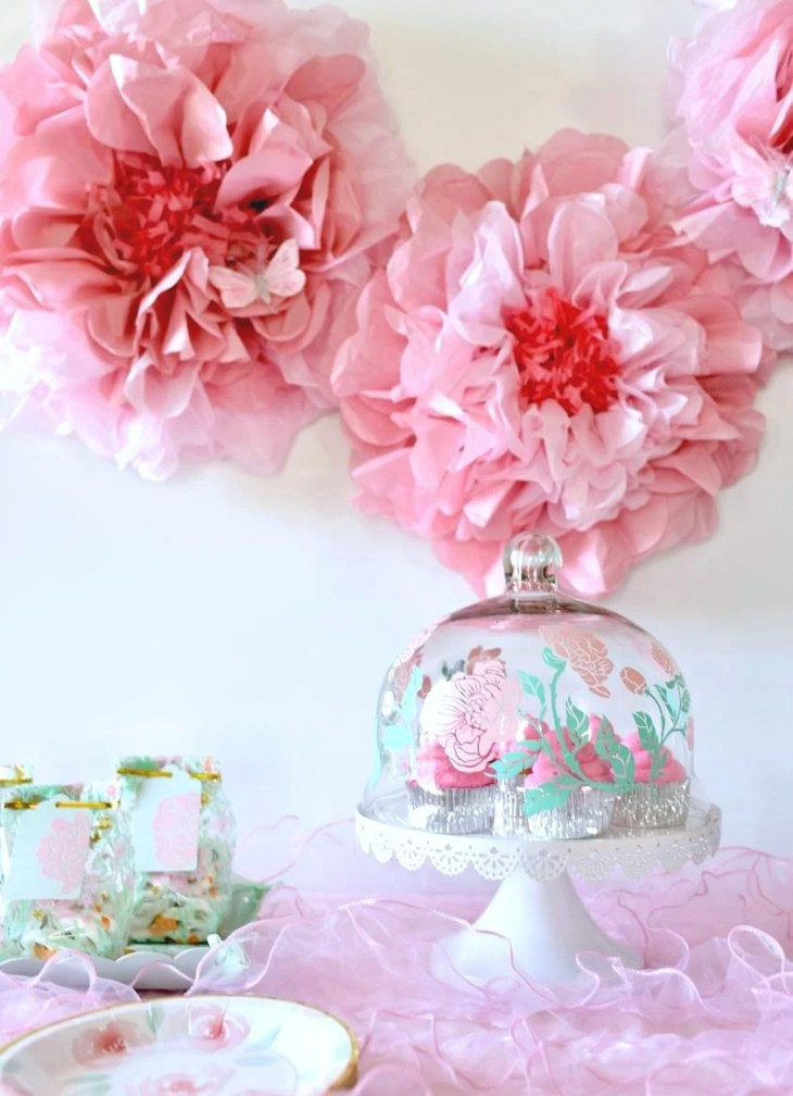 Girl baby shower decorations and baby shower party favors-