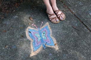 I noticed that Cyndi's toenails match this chalk drawing while we were experiencing neighbor lag.