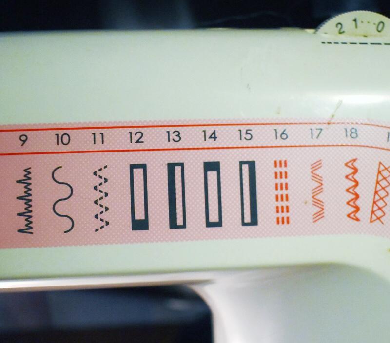buttonhole setting on machine