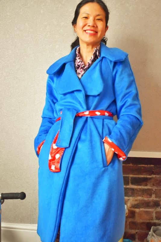 coat with notch collar
