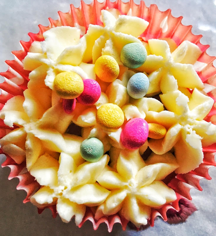 decorated cup cake