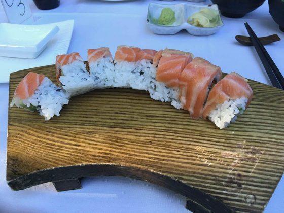 sushi tri 49 roll