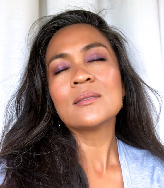 Glam on the Go: A Creamy, Dreamy Purple and Gold Look With Big, Bushy Brows