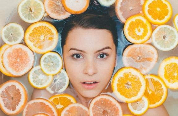 Oranges: 17 Amazing Health, Beauty, & Hair Benefits