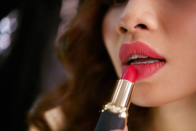 5 Unexpected Benefits Of Lipsticks & Know Simple Hacks To Rock Your Lipstick!