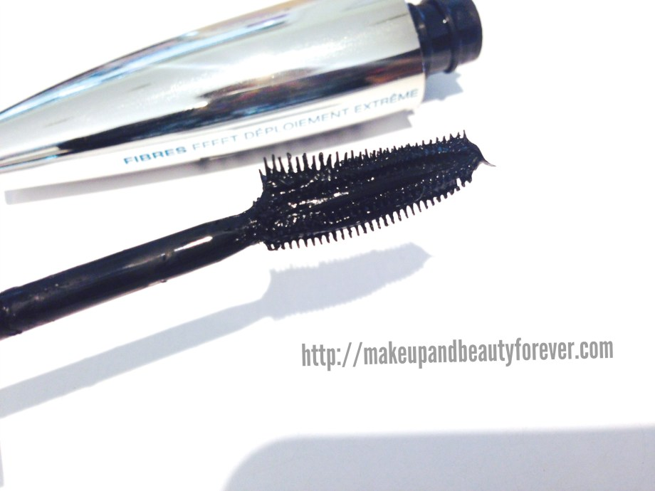 L'Oreal Paris Voluminous Butterfly Mascara (Faux Cils Papillon) Review swatches