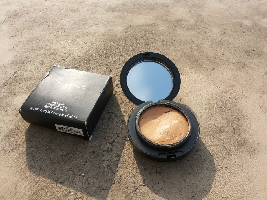 MAC Mineralize Foundation with SPF 15 Review, Swatches FOTD