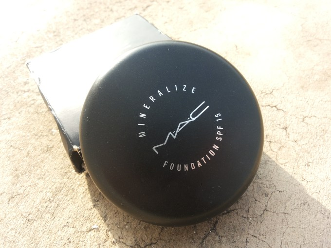 MAC Mineralize Foundation with SPF 15 Review, Swatches and FOTD