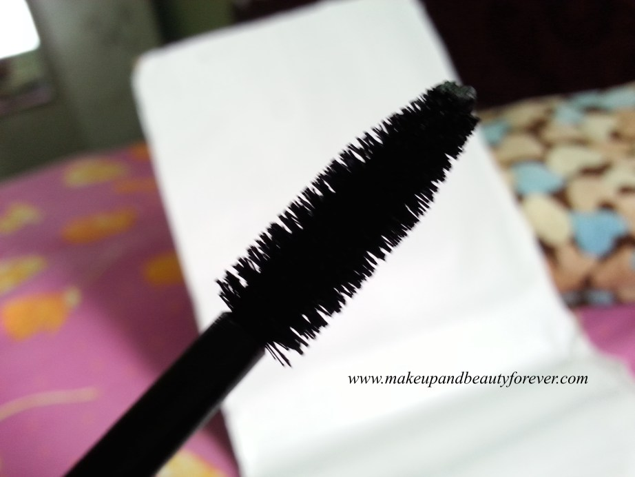 BareMinerals Flawless Definition Volumizing Mascara wand brush Review
