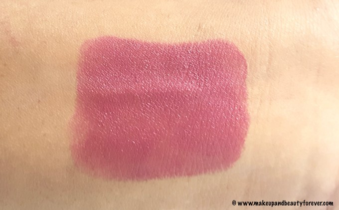Sugar Cosmetics It's A-Pout Time Vivid Lipstick 02 Breaking Bare Review, Swatches, FOTD Swatch